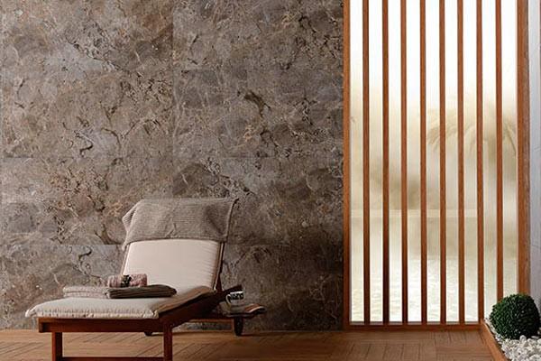 Фото интерьера с плиткой для стен под мрамор Gusto Taupe Grey, S