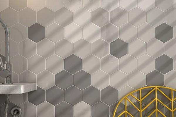 Стена ванной комнаты с плиткой Scale Hexagon, Equipe