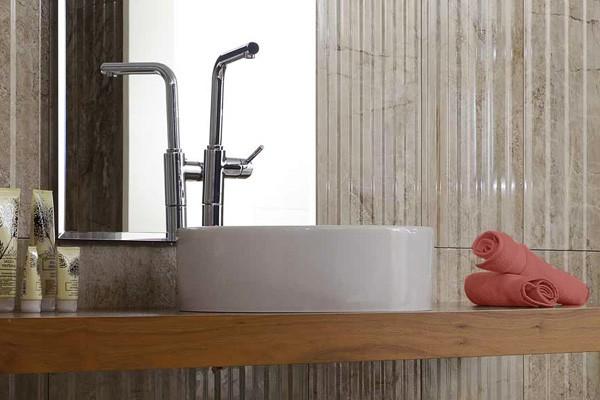 Коллекция керамической плитки Camanzoni, Serra в интерьере ванно